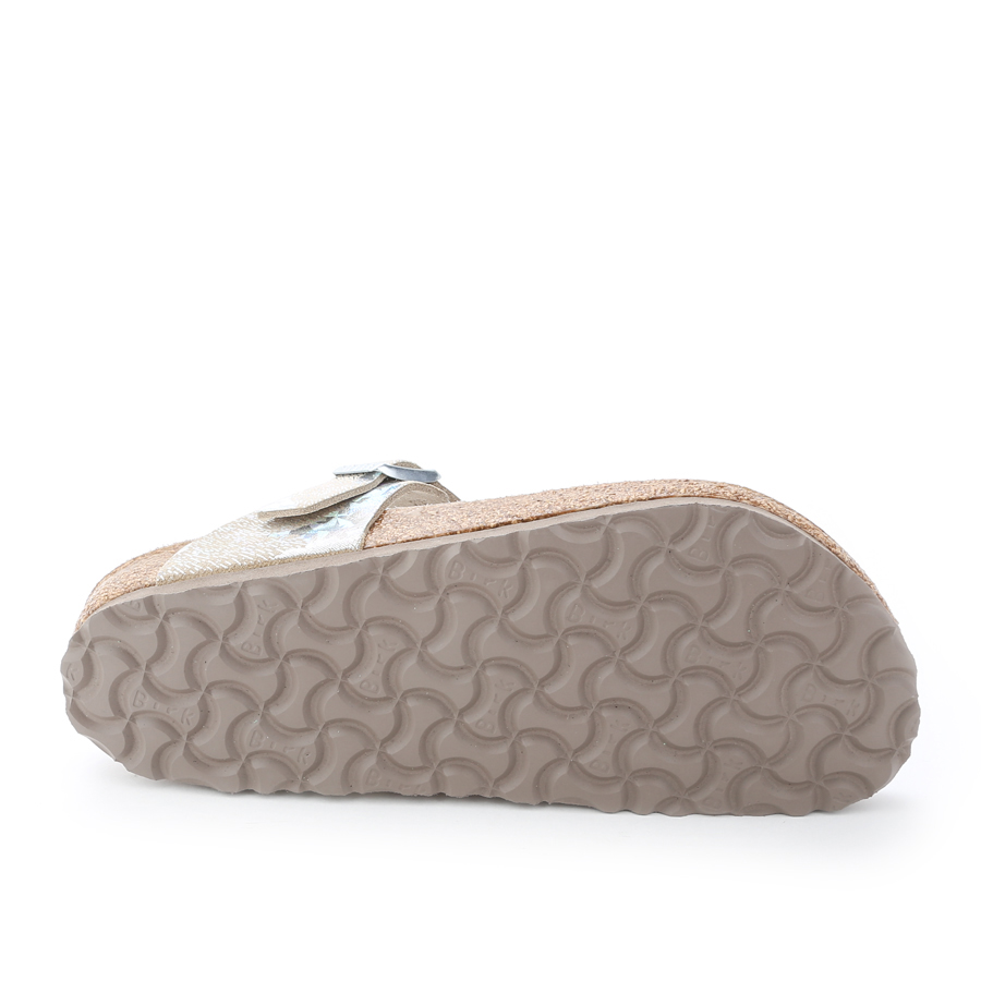 bc7d4777953 BIRKENSTOCK - GIZEH LUX - SILVER SPOTTED - Plaza Shoe Store